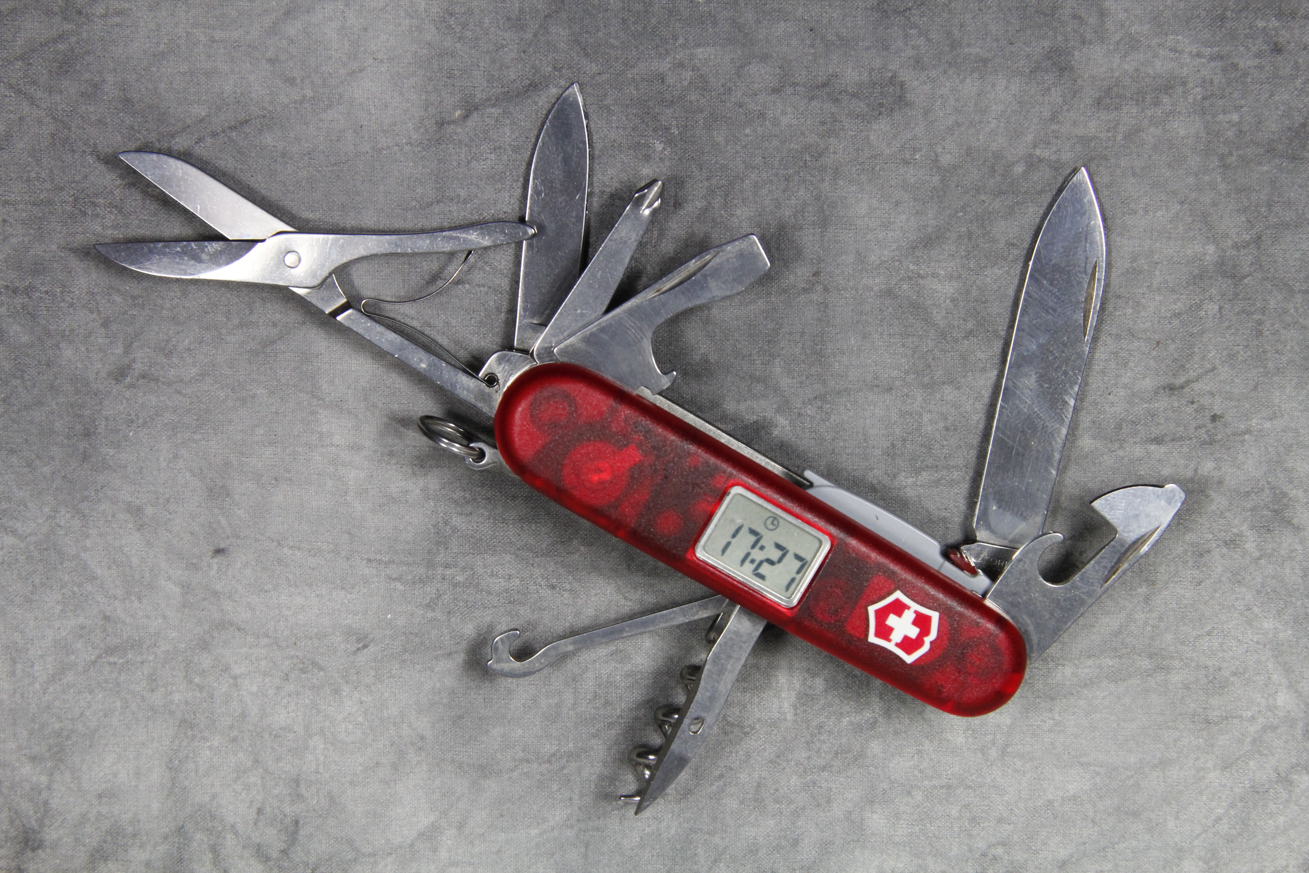 Victorinox Swiss Army Voyager Lite Pocket Knife With Clock